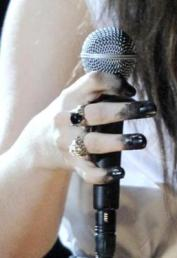 lorde nails grammys 2014