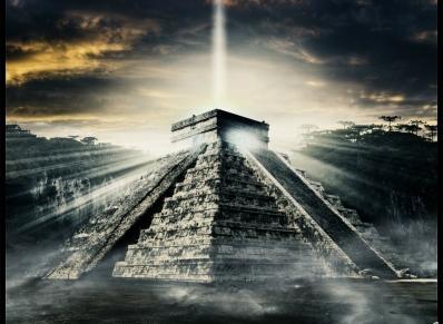 Maya Pyramide Lichtstrahl